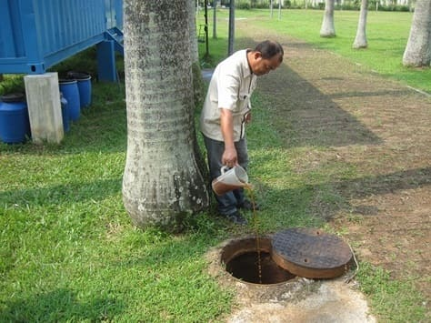 Treatment of oxidation ponds at school
